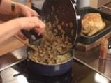 Пълнено пиле с праз, кисело зеле и дреболии 8