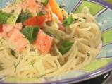 """Спагети в салса """"Роса"""" и рулца от раци"""