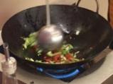 Телешко с оризови нудълс в тай сос 7