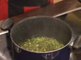 Супа от аспержи, спанак и заливка с пармезан 5