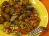 Пикантни картофи с доматена салца