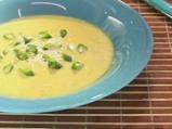 Студена супа от тиквички с дъх на сусам