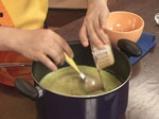 Студена супа от тиквички с дъх на сусам 7