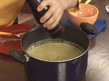 Студена супа от тиквички с дъх на сусам 8