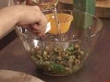 Пилешки бутчета със зелени маслини и фурми 5