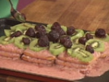 Бисквитена торта с плодове 3