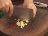 Пикантна салата с краставици и захар 3
