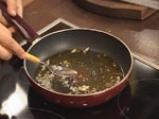 Пикантна салата с краставици и захар 6