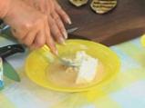Пълнен патладжан със сирене 3