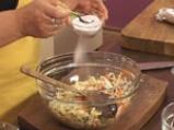 Пилешко руло със спанак и гъбен сос 3