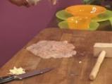 Пилешко руло със спанак и гъбен сос 4
