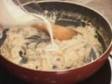 Пилешко руло със спанак и гъбен сос 9