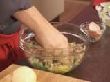 Супа топчета със спанак 3
