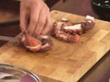 Задушен октопод с маслини, кедрови ядки и домати 2