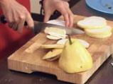 """Медена круша със сирене """"Бри"""""""