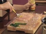 Пилешка салата с фъстъчен дресинг и аспержи 3