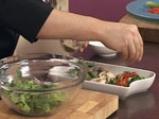 Пилешка салата с фъстъчен дресинг и аспержи 9