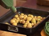 Запечени картофи с коприва