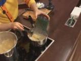 Спагети със зелен сос и сирене 6