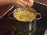 Царевична супа с чушки и тиквички 4