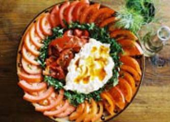 Чукуровска салата с чушки и катък