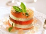 Салата от желиран с агар доматен сок ...