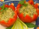 Патладжанена салата в доматени купички