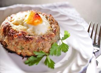 Гнезда от кайма с яйце