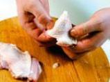 Обезкостяване на пилешко бутче 7