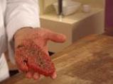 Стек от червена риба тон в билкова коричка, поднесен с ризото и маслинова брускета 5