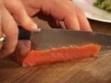 Карпачо от домашно маринована сьомга и риба меч, сервирана с букет от салати, каперси и лимон 2