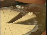 Кифлички с мая и сирене  3