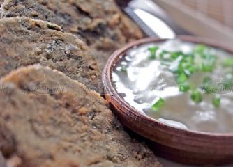 Кюфтета от коприва с млечен сос