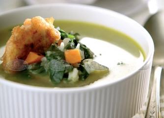 Спаначена супа със сметана и хапки от...