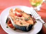 Сьомга с мариновани домати и зехтин