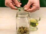 Маслинова паста със зелени маслини за хапки, сосове и дресинги