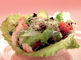 Цветни салатки със скариди на пара