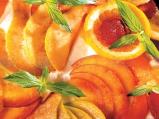 Плодова пица с праскови и ягоди