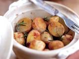 Пресни картофки на фурна с розмарин