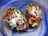 Пълнено авокадо