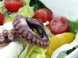 Салата с маринован октопод от о-в Сам...