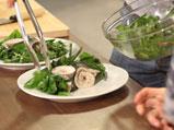Поширана пъстърва с портокалов сос и салата от пресни зеленчуци 4