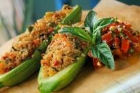Пълнени тиквички с булгур и зеленчуци