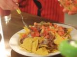 Тортила чипс с дип от червен боб 5