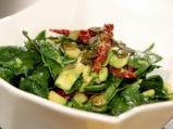 Свежа салата със спанак и авокадо
