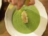 Крем супа от броколи с лешници и сирене 6
