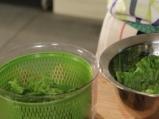 Зелена салата с грейпфрут и бадеми