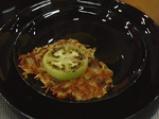 Забулени яйца върху картофени тиганици с бекон 6