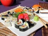 Плато от 5 вида суши