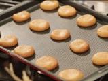 Овесени бисквитки с фъстъчено масло, поднесени с плодов шейк 4